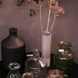 Vasen und Töpfe