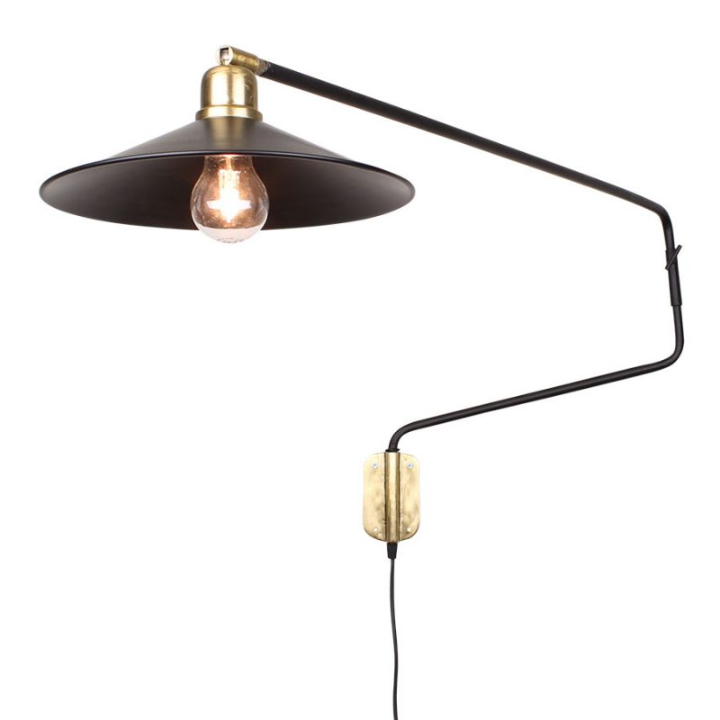 Wandlampe mit langem Arm