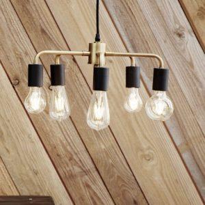 Bei dieser tollen Deckenlampe schwarz/gold kann man zum Beispiel - wie auf dem Produktbild ersichtlich - verschiedene Glühbirnen hineingeben. Simples, edles Design mit der einfachen Möglichkeit ein bisschen Ideenreichtum miteinzubringen.