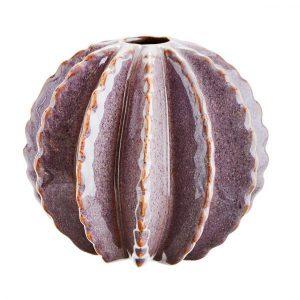 Ca. 14,5 cm hohe Runde Kaktus Vase, in einem schönen Lila gefärbt. Die Vase besteht aus Steingut.