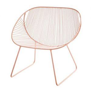 Schöner Lounge Chair aus Metall, in feinem Altrosa. Der Stuhl eignet sich perfekt für den Garten oder den Balkon und sieht einfach super stylish aus.