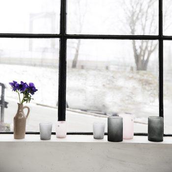 Graublaue Vase aus Glas 1