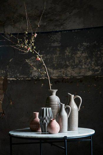Graue Vase aus Keramik 1